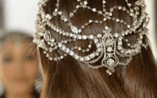 Как украсить собранные прически на свадьбу