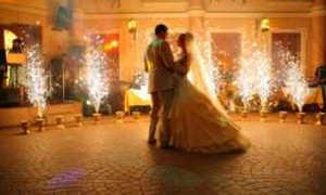 Под какую песню танцевать первый танец: креативно, нежно, зажигательно или классически