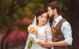 Жених на свадьбе летом: стильный образ и яркие решения